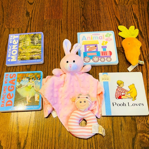 POOH++ 7pc Infant/Baby Books + Toys